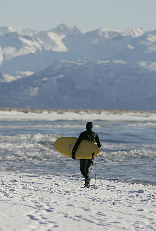 Surfing_49